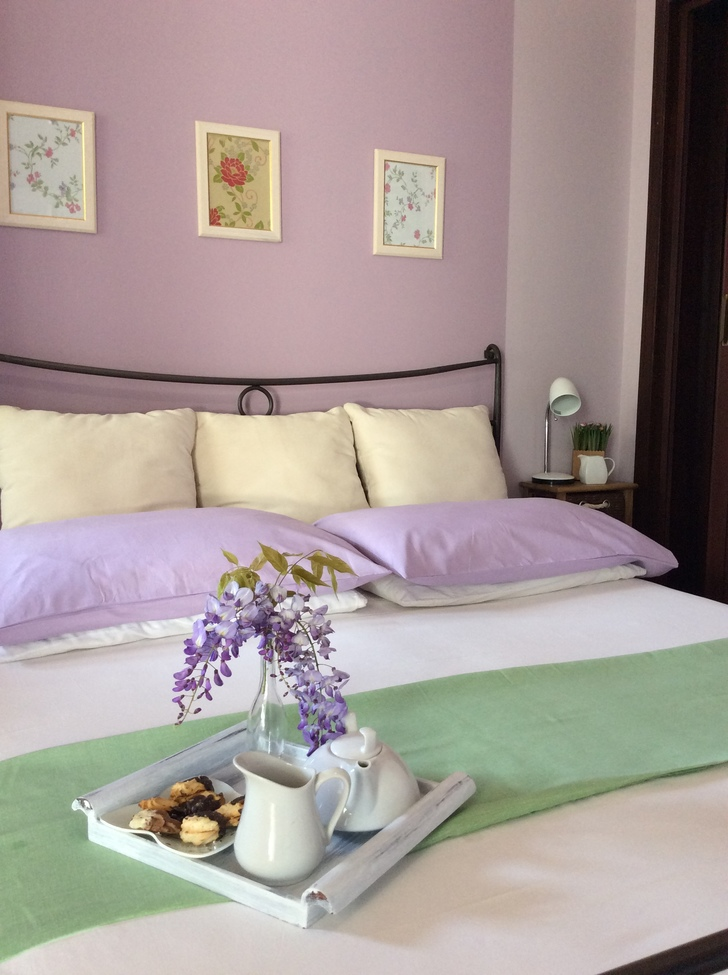 camera matrimoniale lilla – Sweet Home B&B - Bed and Breakfast